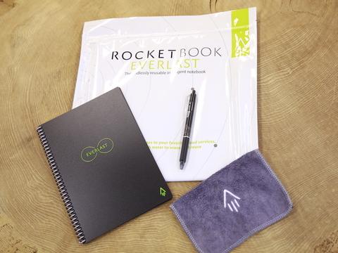 メモも議事録も一括管理。簡単に消せてノート100冊分を繰り返し使える「Rocketbook Everlast」