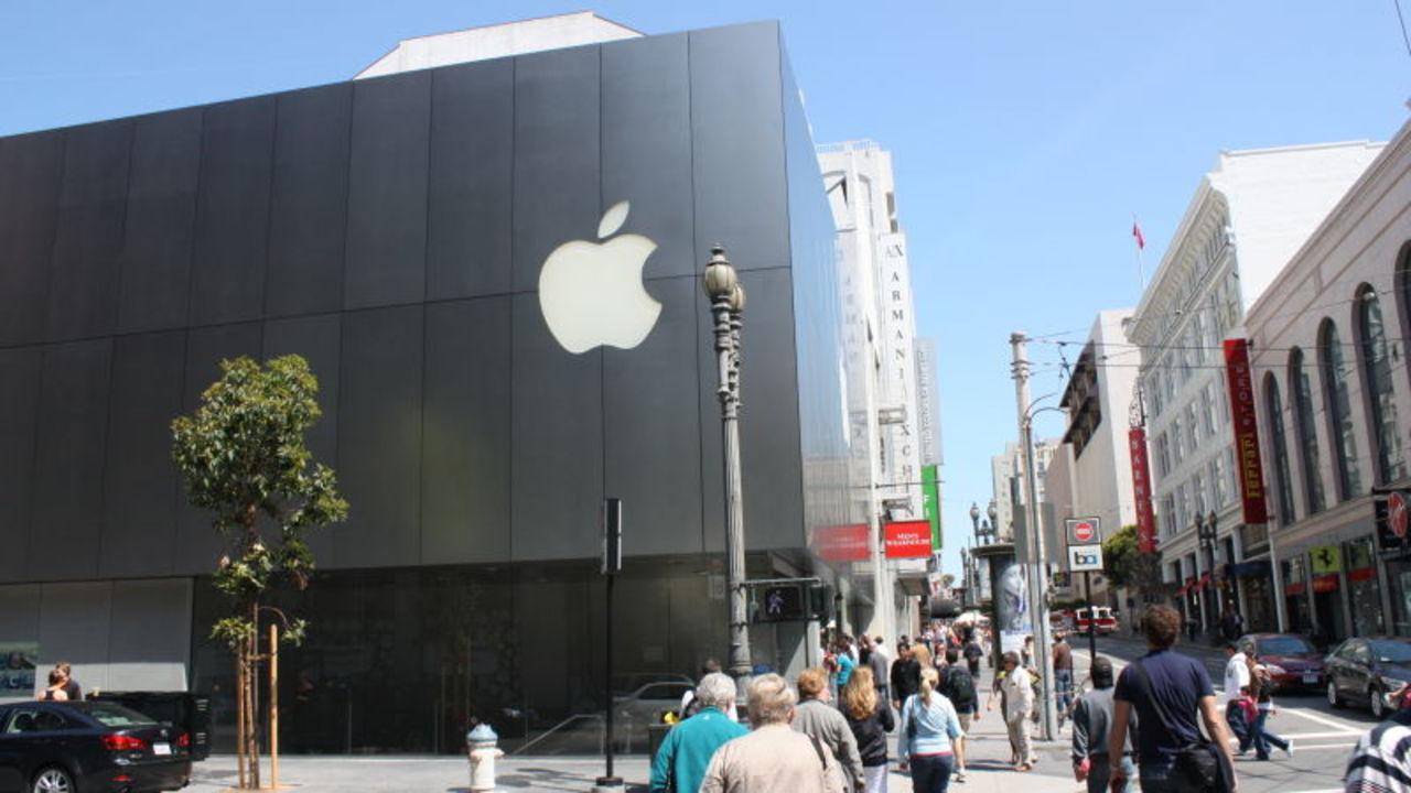 AppleとGoogle、従業員送迎用バスのルートを変更。襲撃の疑いから