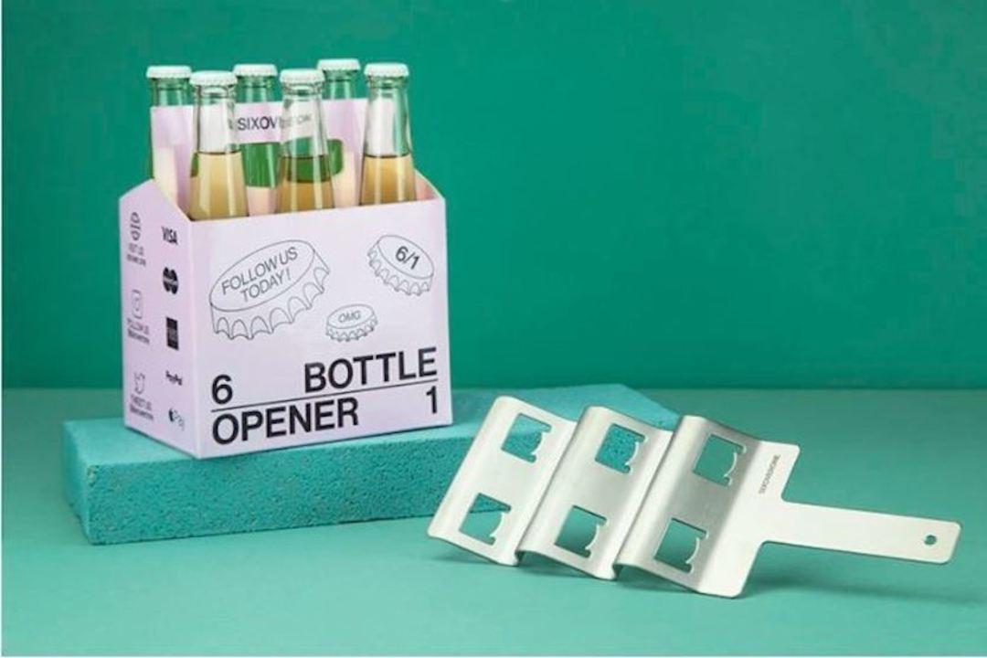 ビール瓶を6本同時に開けることが可能なオープナー「SIXOVERONE」