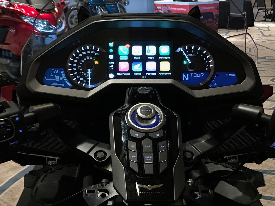 Apple CarPlay初搭載の二輪車、ホンダ「GOLDWING」を体験してきた