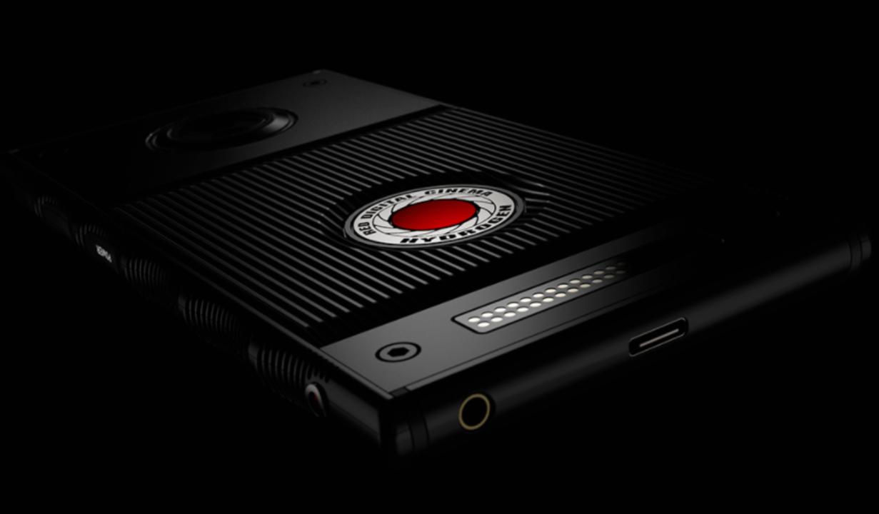 REDのホログラフィックスマホ「Hydrogen One」、Snapdragon 835と4,500mAhのバッテリー搭載で夏頃発売?