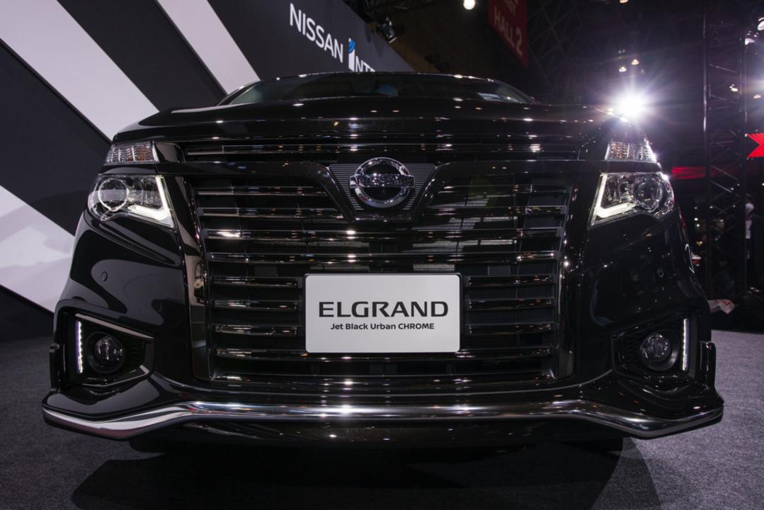 最大級の「ジェットブラック」ガジェット登場。圧倒的な存在感を放つ最新エルグランド