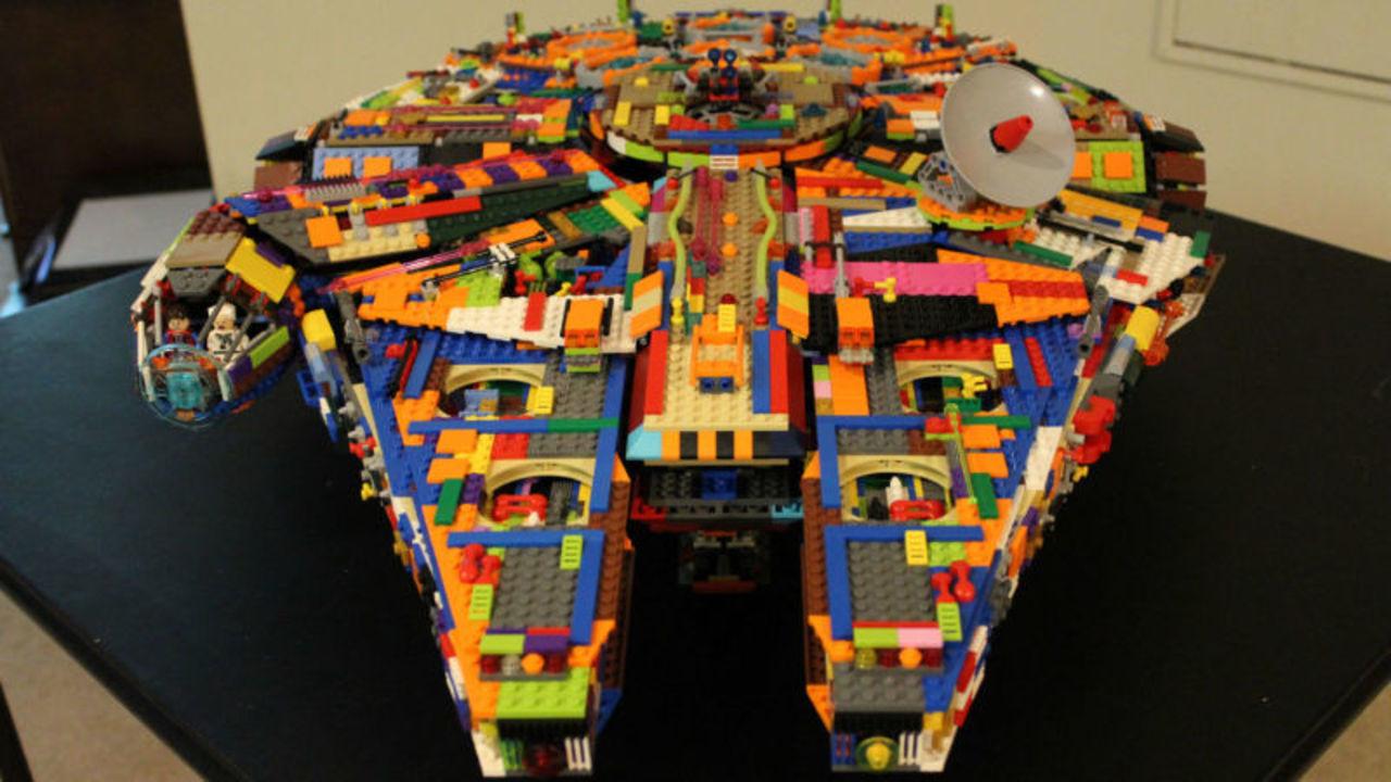 超カラフル! レゴの自家製ミレニアム・ファルコン号がスーパークール