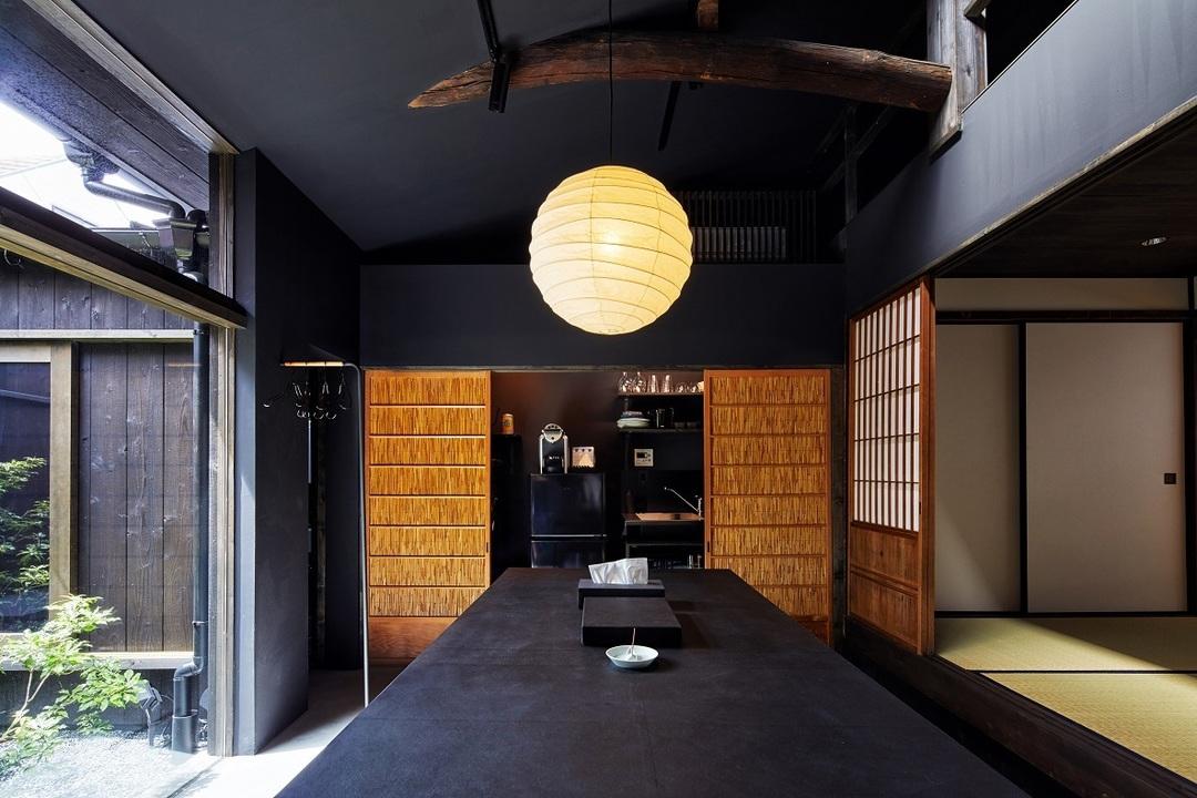 大正2年建造、築100年の建物をリノベーション。京町家×IoT設備のゲストハウス
