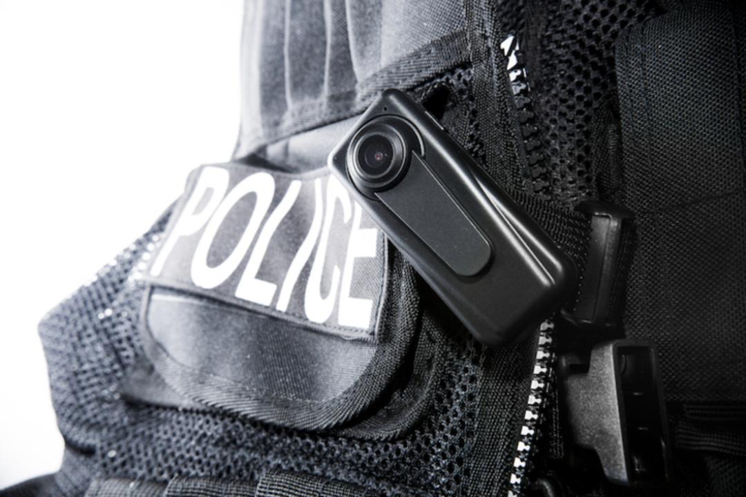 検挙すればするほど休暇とボーナス支給…米警察の悪習是正に指紋認証タイムカード導入へ
