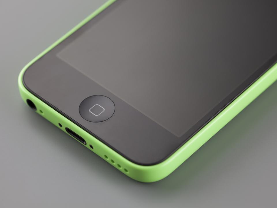 容量が倍で返ってくるかも? iPhone 5cの16GBモデルを修理に出すと32GBモデルとの交換対応に