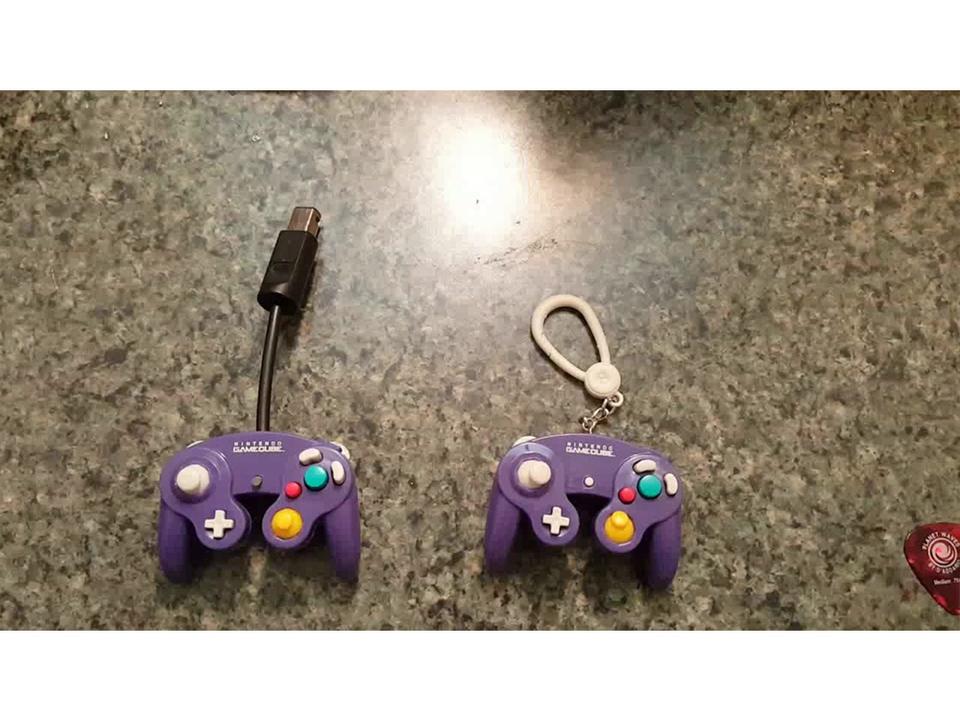 キーホルダーサイズのゲームキューブコントローラーを実機がプレイできるようDIY!