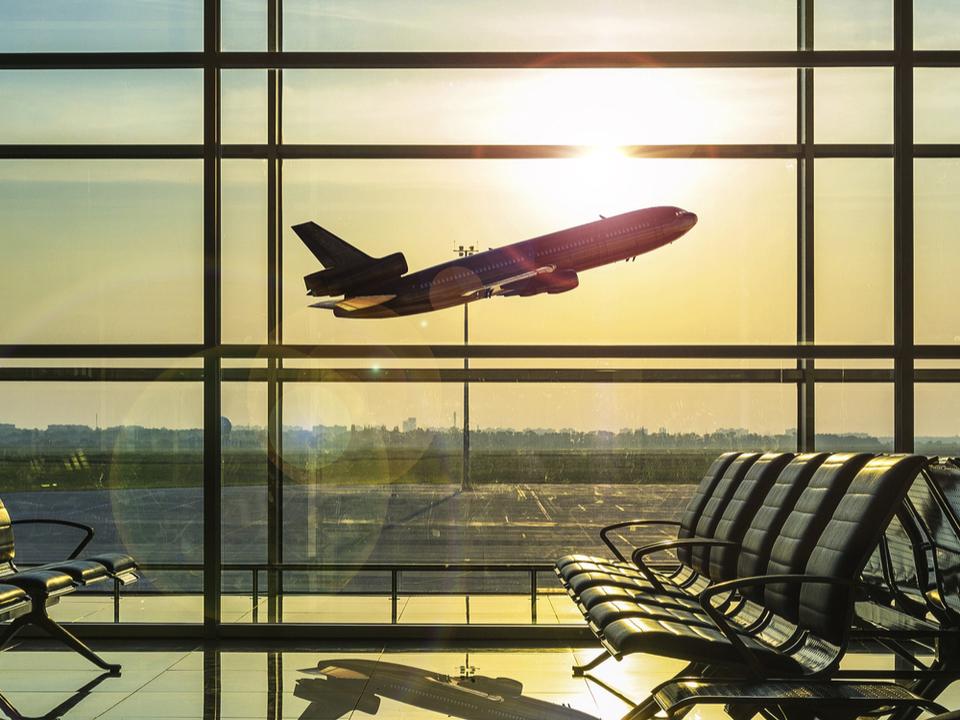 ロシアの旅客機が墜落、乗客71名全員死亡
