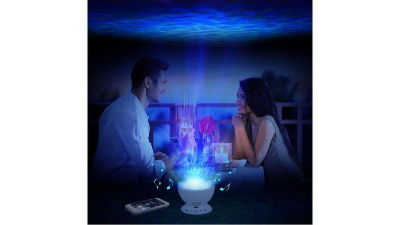 快眠サポートにも、部屋デートにも。海のなかのような幻想的な光に包まれよう