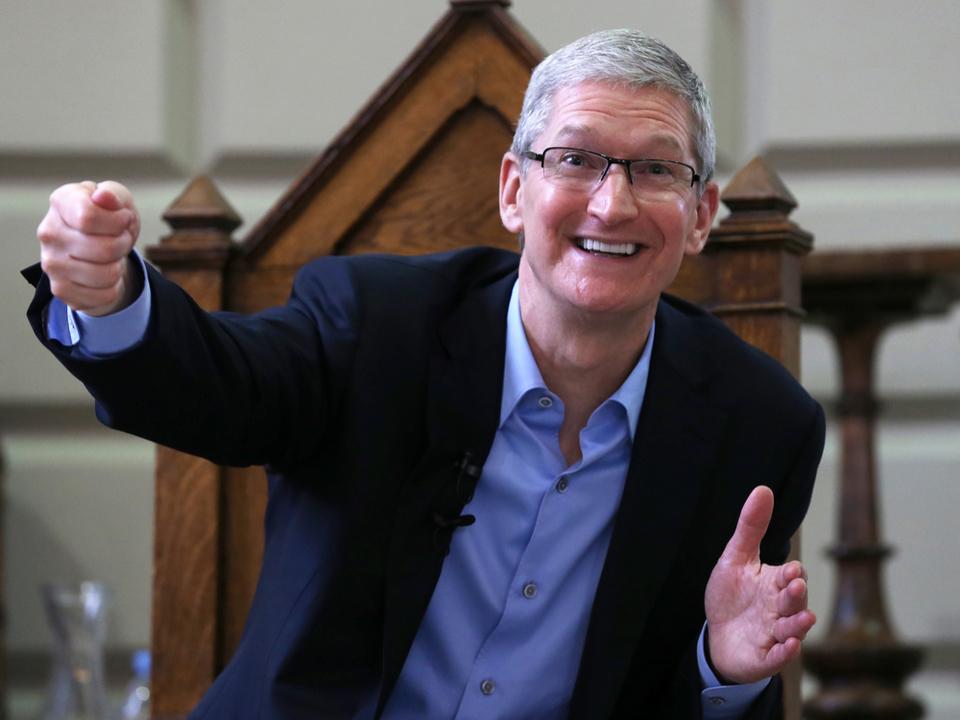 AppleのCEOティム・クック「お金というものが消えていくのを見たい」
