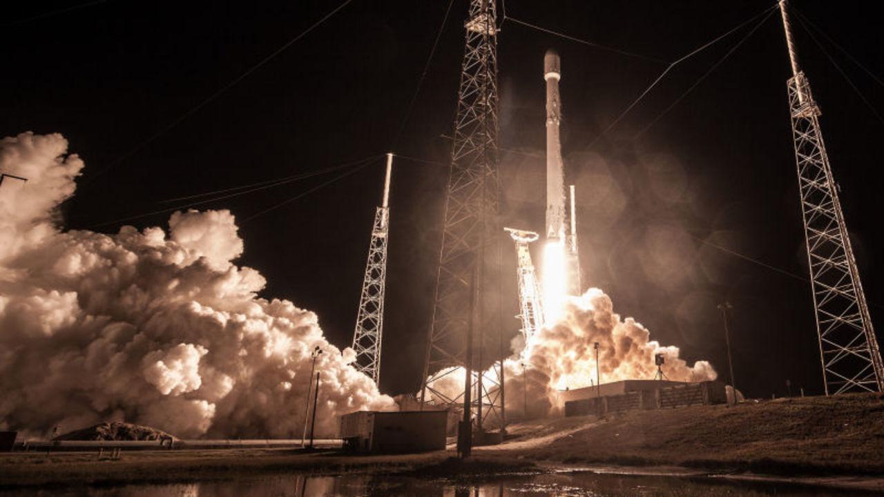 さらば、ネット難民…SpaceXの新プロジェクト「Starlink」が新局面に!
