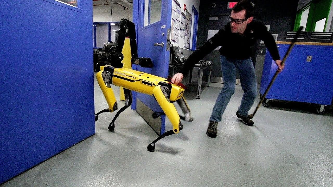 イジワル人間に負けない! ボストン・ダイナミクスの犬型ロボットvsヒト