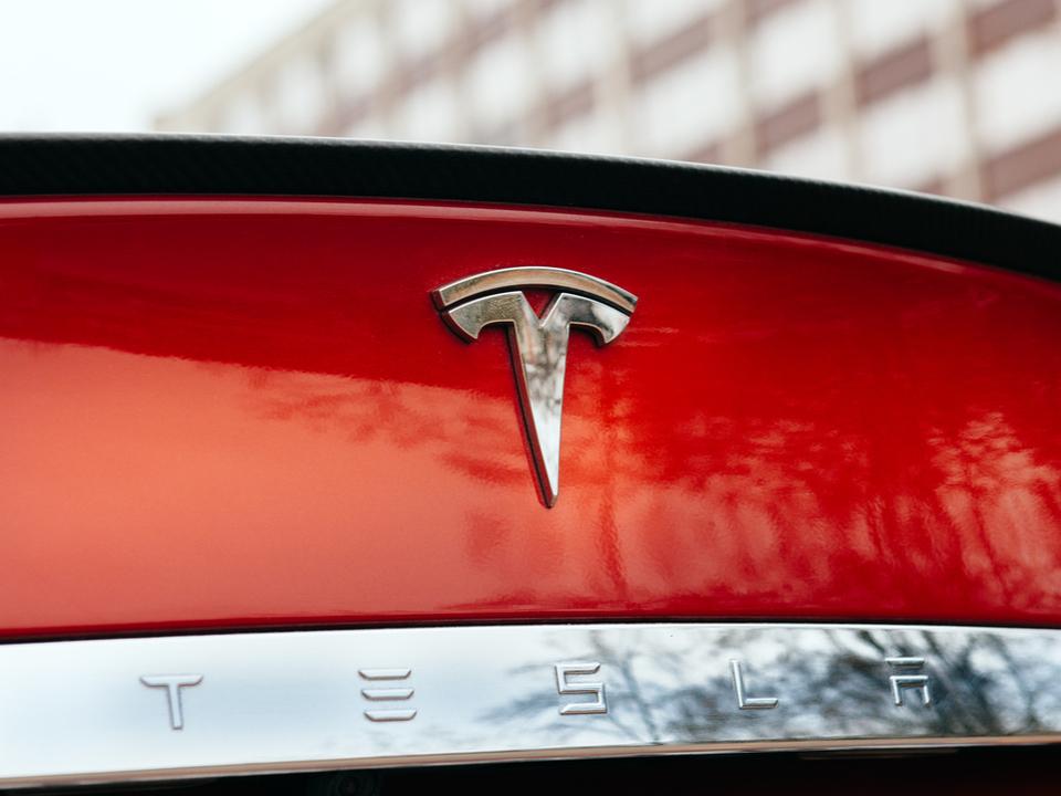 Teslaのクラウドがハッキングされ、暗号通貨の発掘に利用される