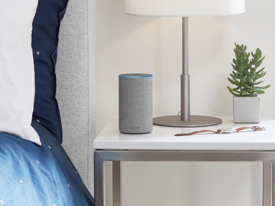 Alexaが本を読みあげてくれる新機能。Amazon Echoで本との関係が変わる?