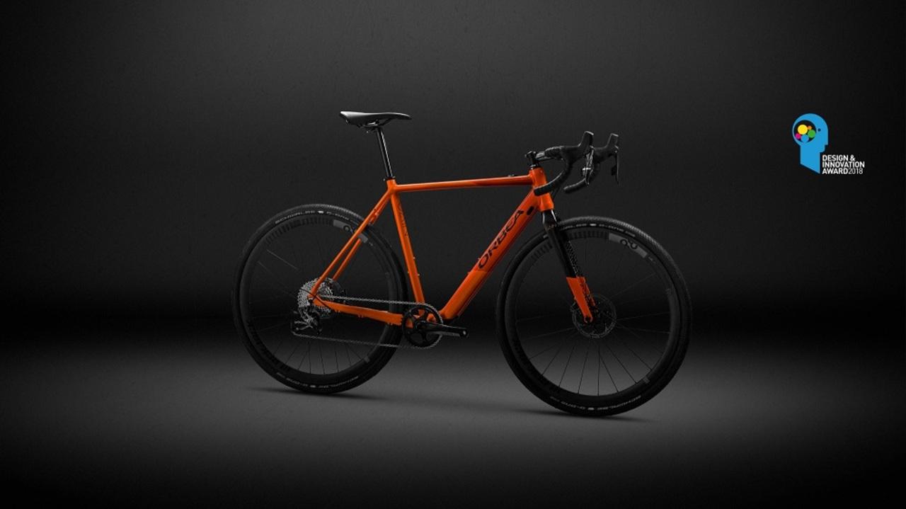 バッテリーはどこへ? 普通のロードバイクにしか見えない電動自転車「Gain」