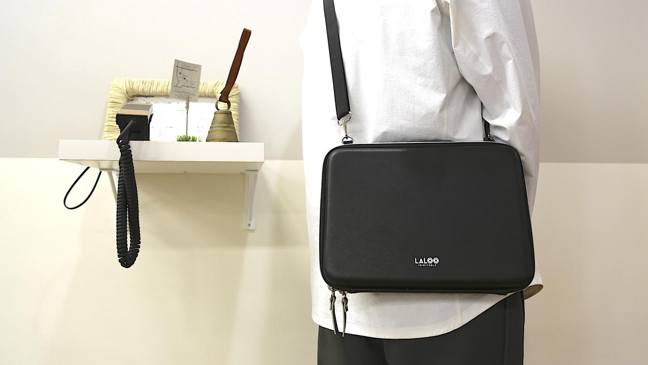 フランスのデザイナーが開発した多機能ポーチ「LALOO」を使ってみた。