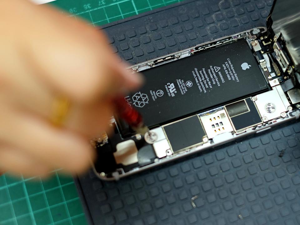 バッテリー交換で動作に差が? iPhone 6sの場合