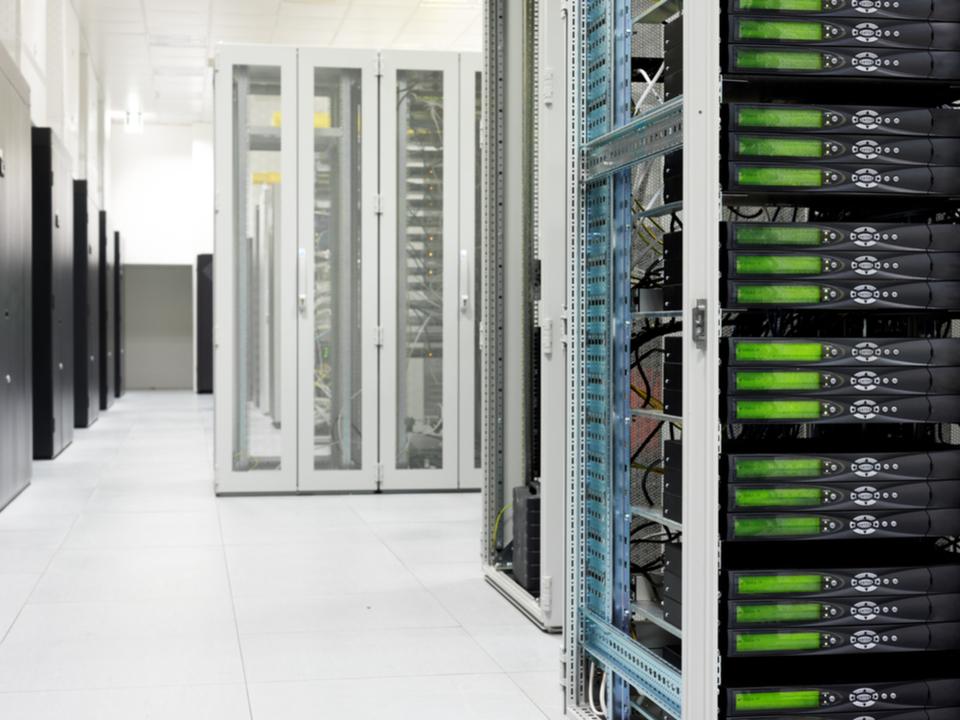 窃盗団、アイスランドでビットコイン採掘用のコンピューターを600台盗む