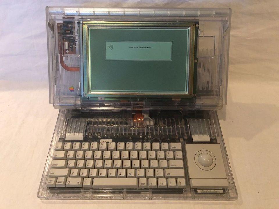 オールドMac「Macintosh Portable M5126」のプロトタイプがebayに出品される