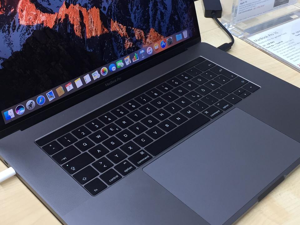 MacBookの薄いキーボード、もうゴミが詰まらない? 新特許にヒント