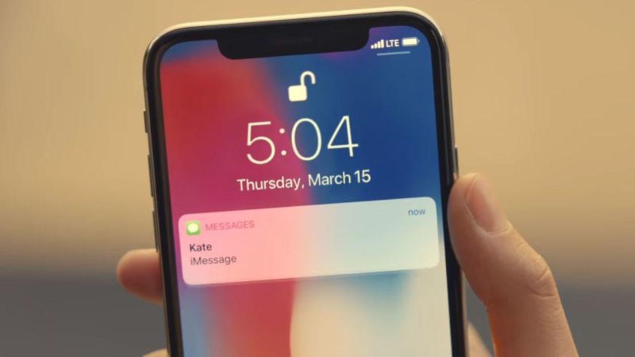 AppleのダサいCMにサイレントアップデート。謎技術で公開されている映像の問題部分だけを修正