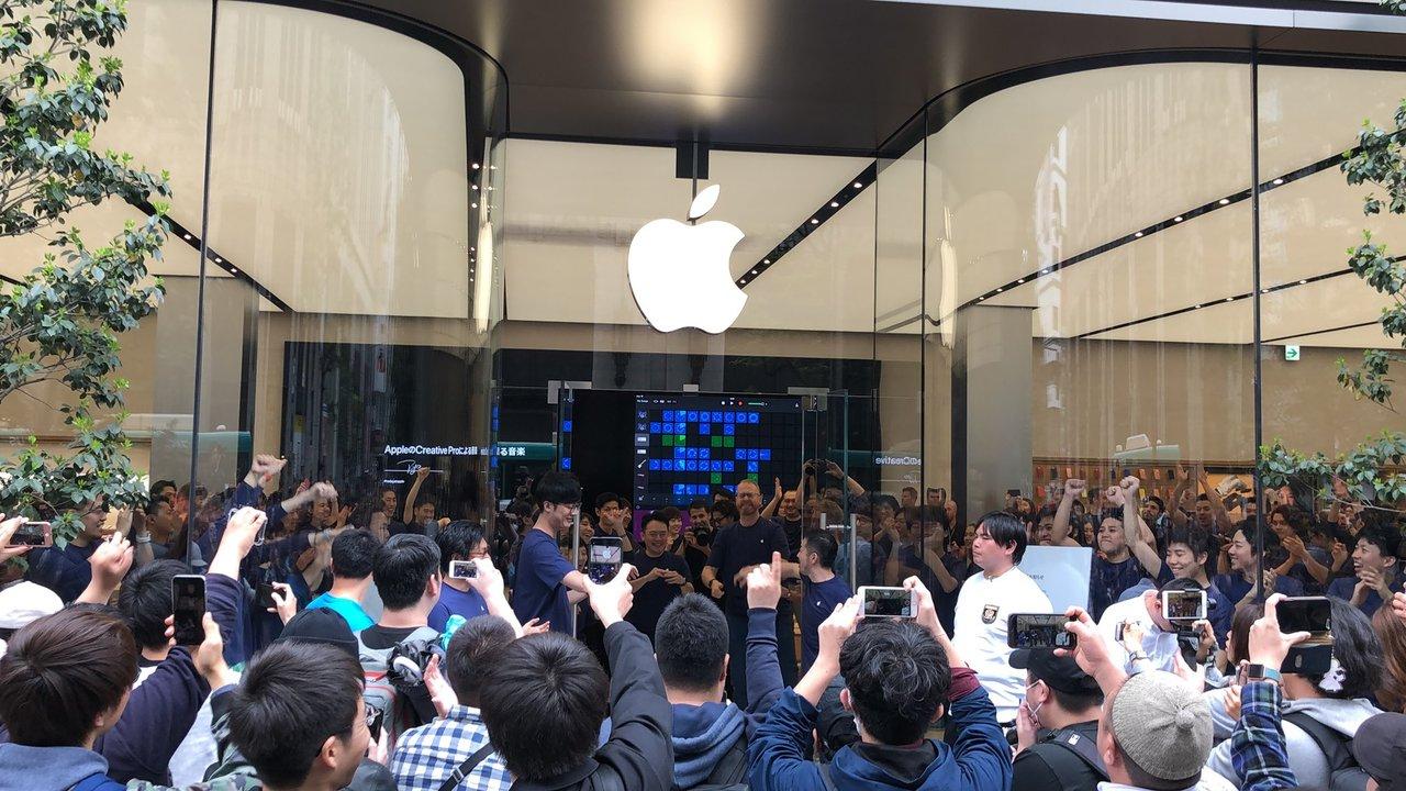 Apple 新宿がオープン! 国内初のコミュニティ型店舗【初日朝の店内からレポート】