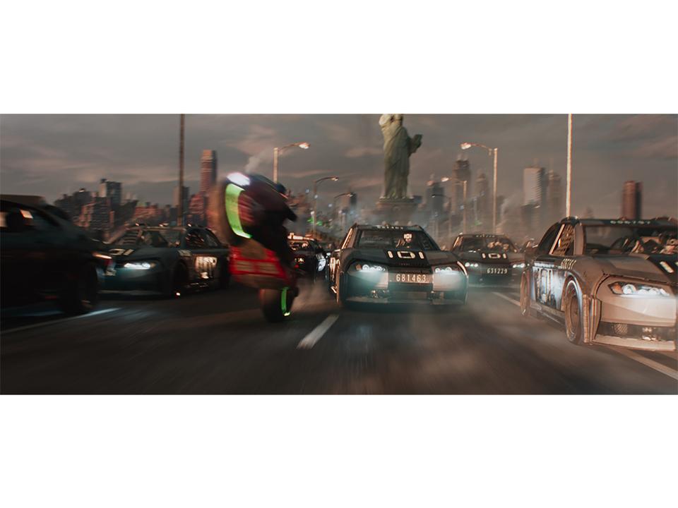 金田のバイクが激しくチェイス。映画『レディ・プレイヤー1』の3分長尺レースバトル映像が公開!