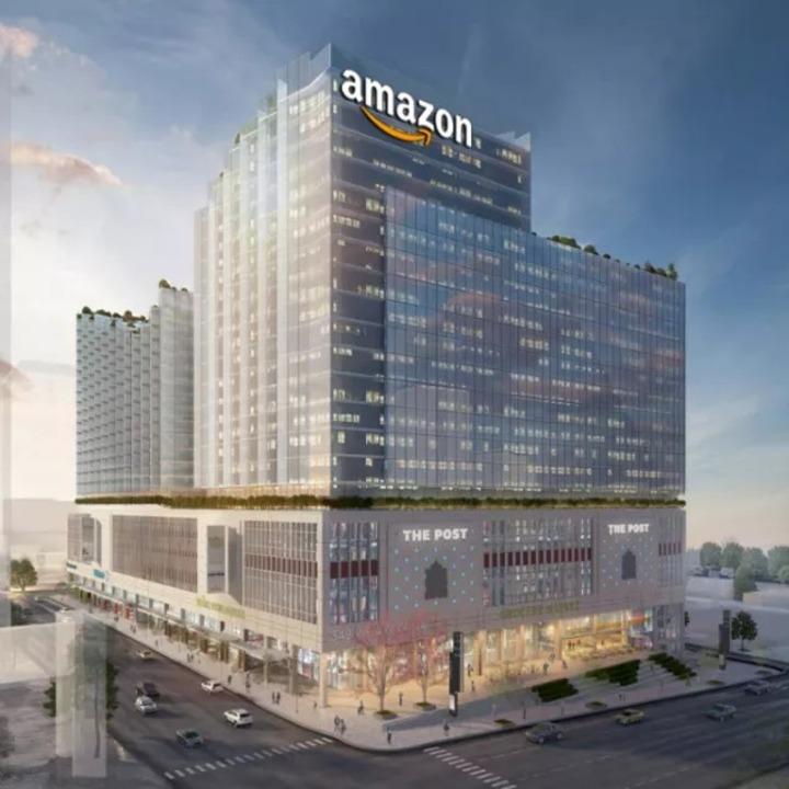 Amazon、1957年に建ったカナダの古い郵便局をくり抜いて新社屋を作る