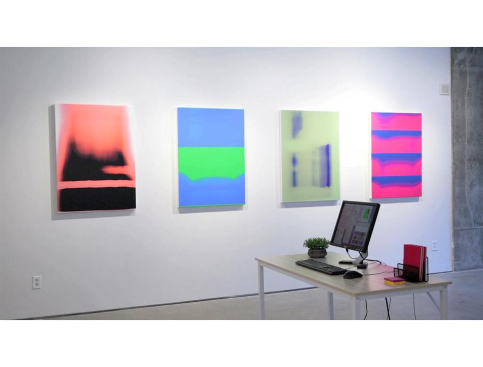 現代アートのシンギュラリティ。機械学習のアルゴリズムで作品を自動生成していくインスタレーション