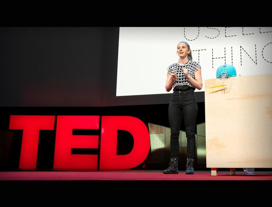 クソロボットの女王、TEDに登壇。彼女が発明を続ける心に涙する