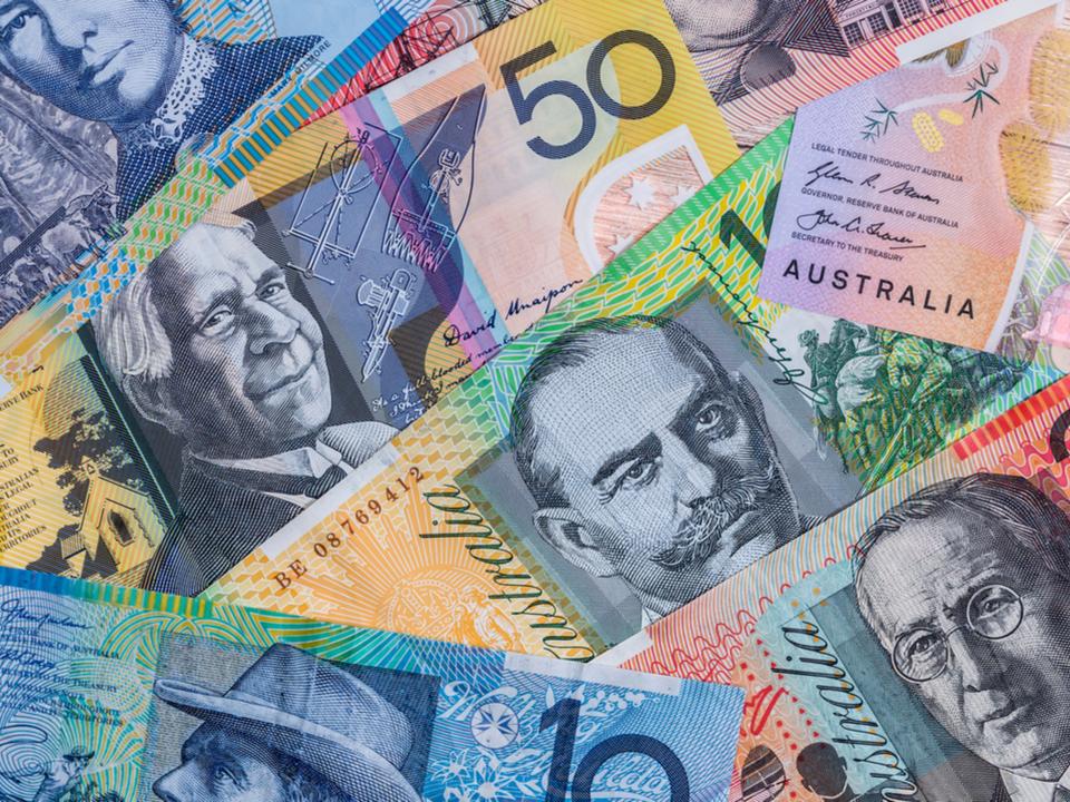 オーストラリア、2019年7月から82万円以上は現金決済禁止に