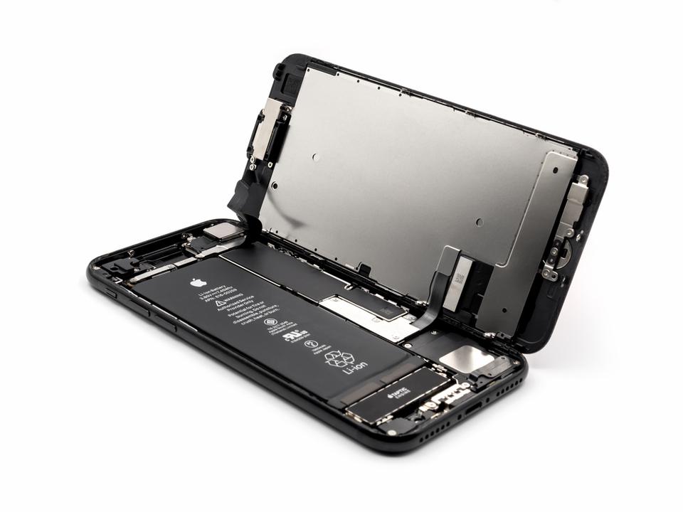 心のモヤモヤがはれました…。Apple、iPhoneのバッテリーを正規料金で交換したユーザーに5,600円の返金