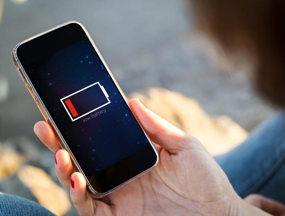 携帯のリチウムバッテリーをゴミ箱に捨てないで。大火事になっちゃうかも…