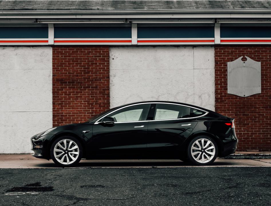 Tesla Model 3が想定の航続距離よりはるかに長い約975kmを走行。でもその後、充電できなくなる