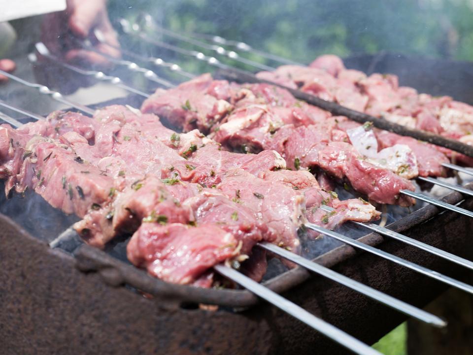 ネオトーキョー飯までもうすぐ? 2020年までに日本で人工肉提供を目指す企業が3億円を調達