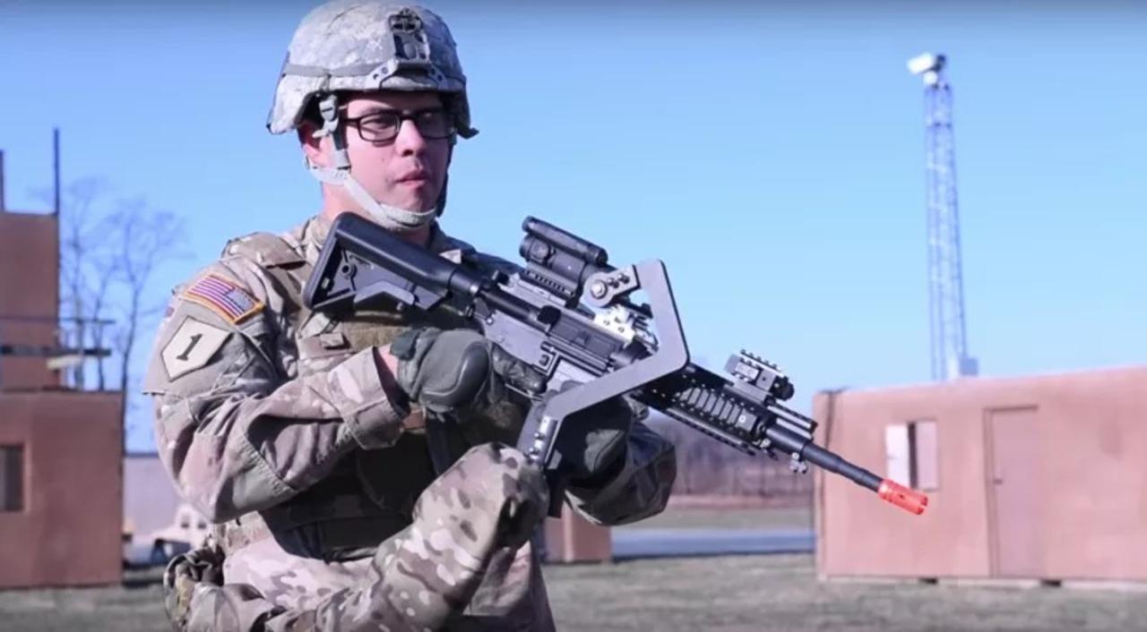 米軍が「外骨格」や「第3の腕」を試作中、兵士の負担をがっつり軽減だ