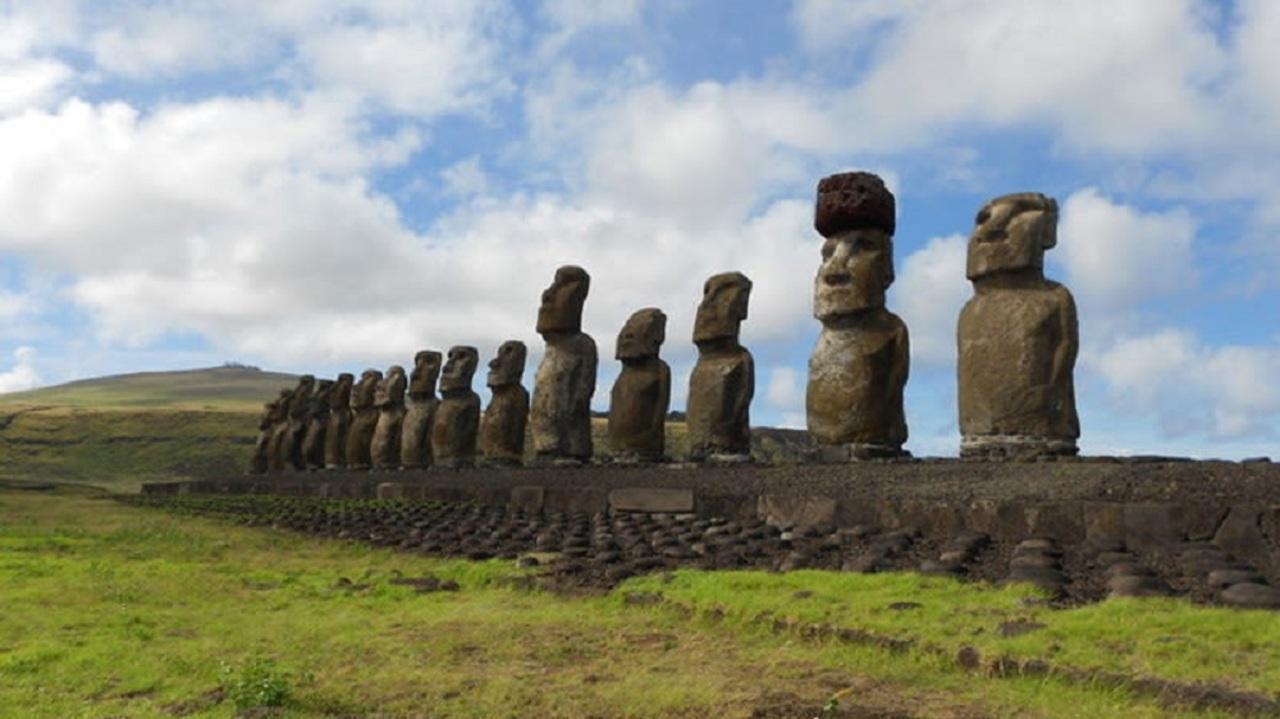 古代のポリネシア人がモアイ像に岩の帽子を被せた方法、解明される