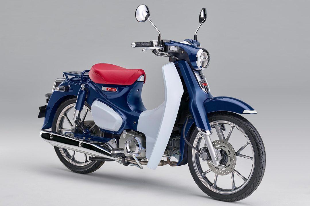 本田宗一郎の名を世界に知らしめた初代スーパーカブ、60年後の復刻モデル。現代に合わせた仕様でこれからも世界中で生き続ける
