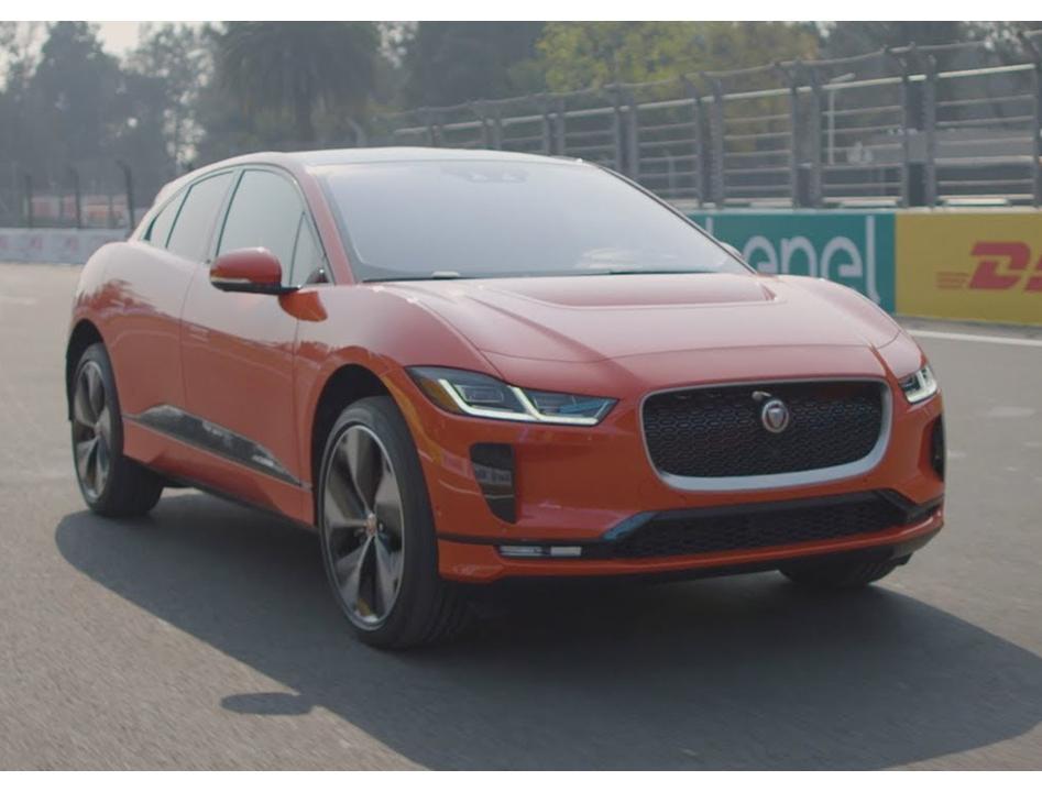 ジャガー初の電気自動車、エンジンを唸らすとSFっぽいワープ音が鳴りひびく