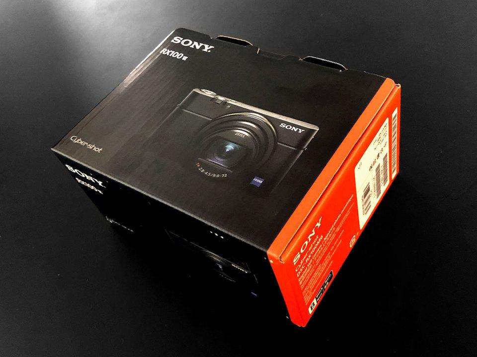 さっき買ってきた。ソニー「RX100 VI」アンボックスは今夜19時からのGIZMODO TVで!