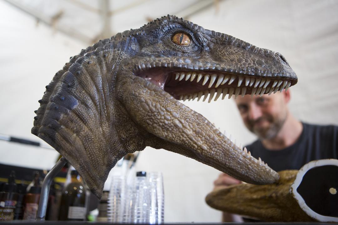 恐竜と人間の関係性はさらに複雑に…。映画『ジュラシック・ワールド/炎の王国』コリン・トレボロウ(制作総指揮/脚本)インタビュー