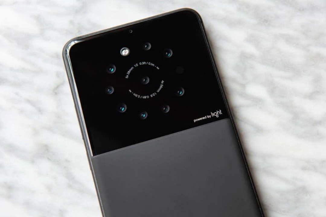 解像度は最大で6400万画素! 最大9カメラ搭載のスマホが開発中