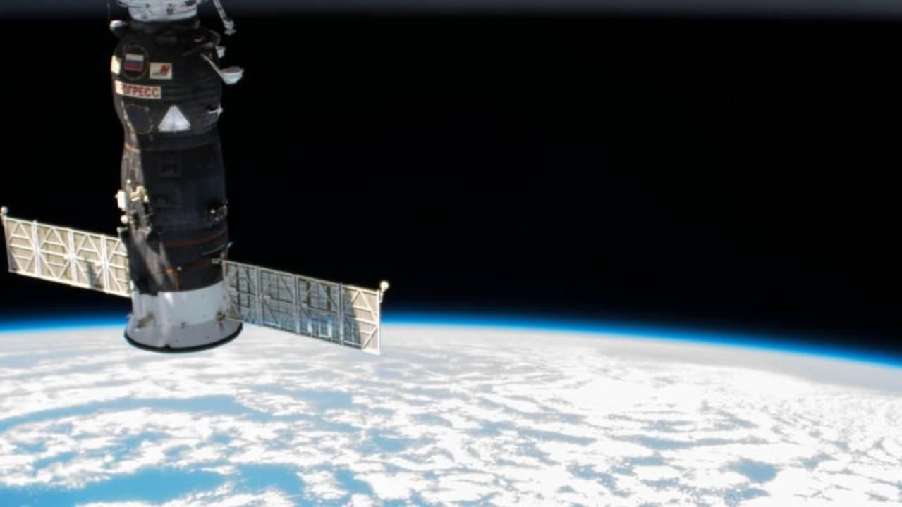 地上から宇宙ステーションまで、最速で何時間で着くか知ってる?