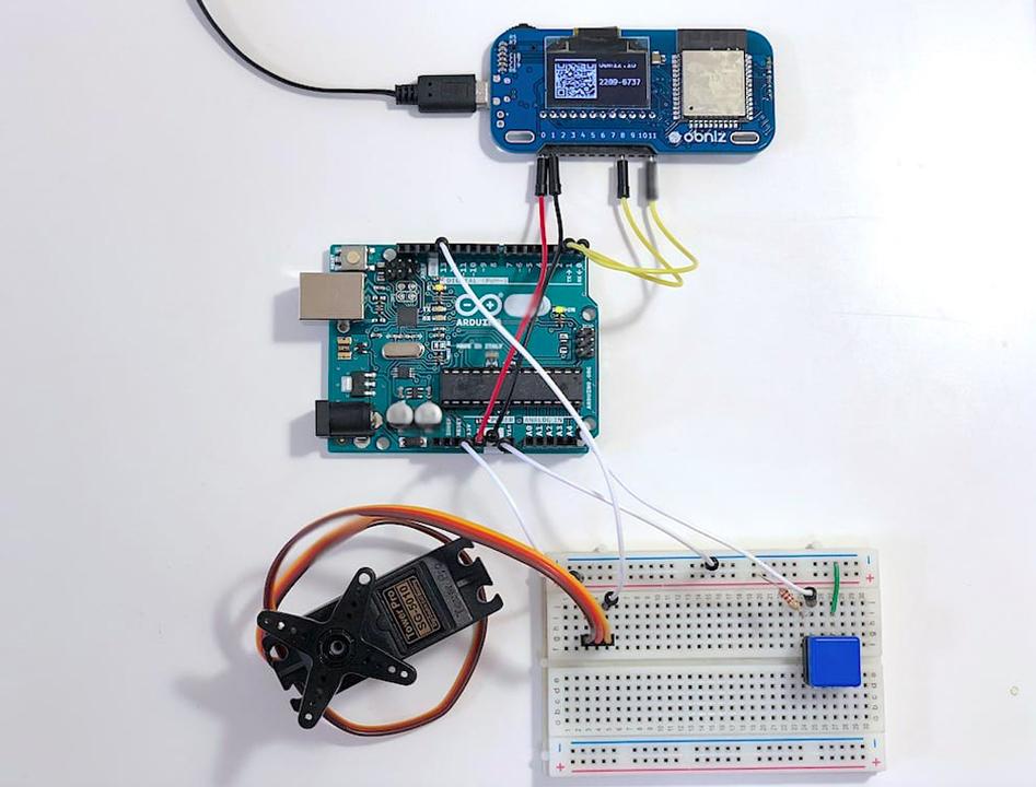 スマホでIoTプログラミング/電子工作ができる小型開発ボード「Obniz」