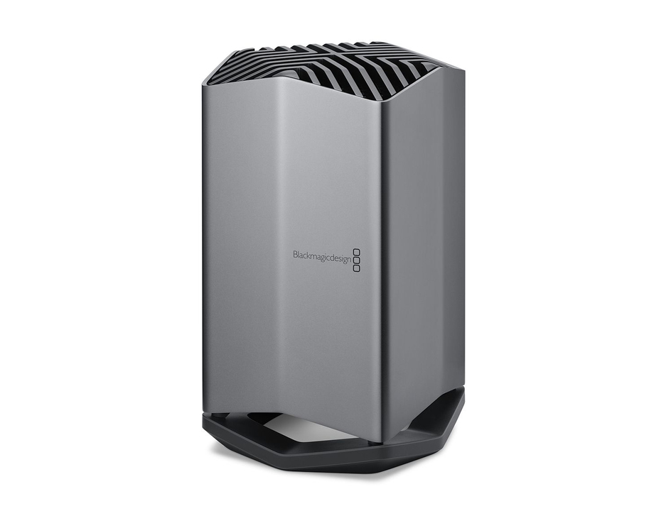 Blackmagic eGPUがAppleから限定販売開始。MacBook ProでもゲームやVR開発ができるぞ!