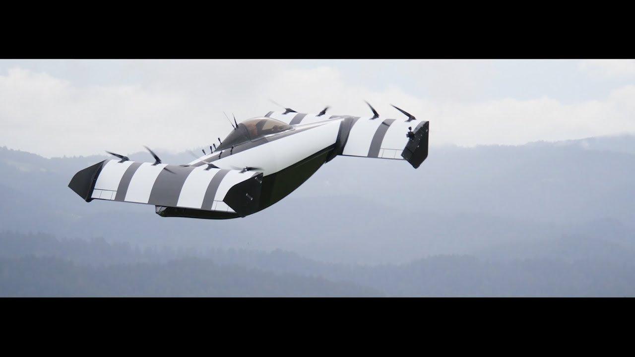 フワッと飛ぶ感じが好き。ジョイスティックで操る省エネ電動プロペラ機「BlackFly」