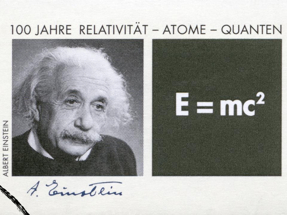 自尊心の低い人はVRでアインシュタインになるとテストの点が上がる