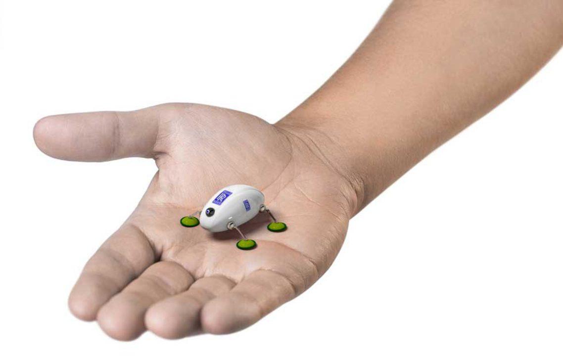 ロールス・ロイスが飛行機を検査するためのゴキブリ型ロボットを開発中