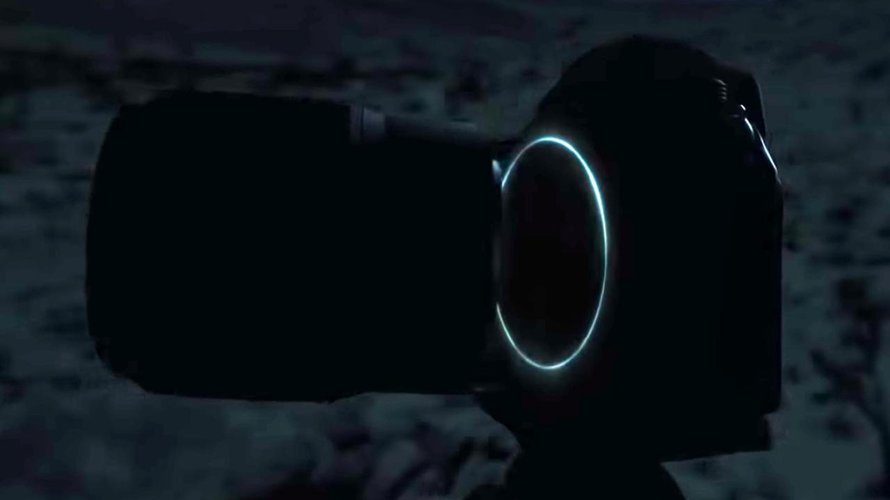 先手はニコン! ニコンだ! 「フルサイズミラーレス機」らしきカメラが登場するティーザー動画が公開