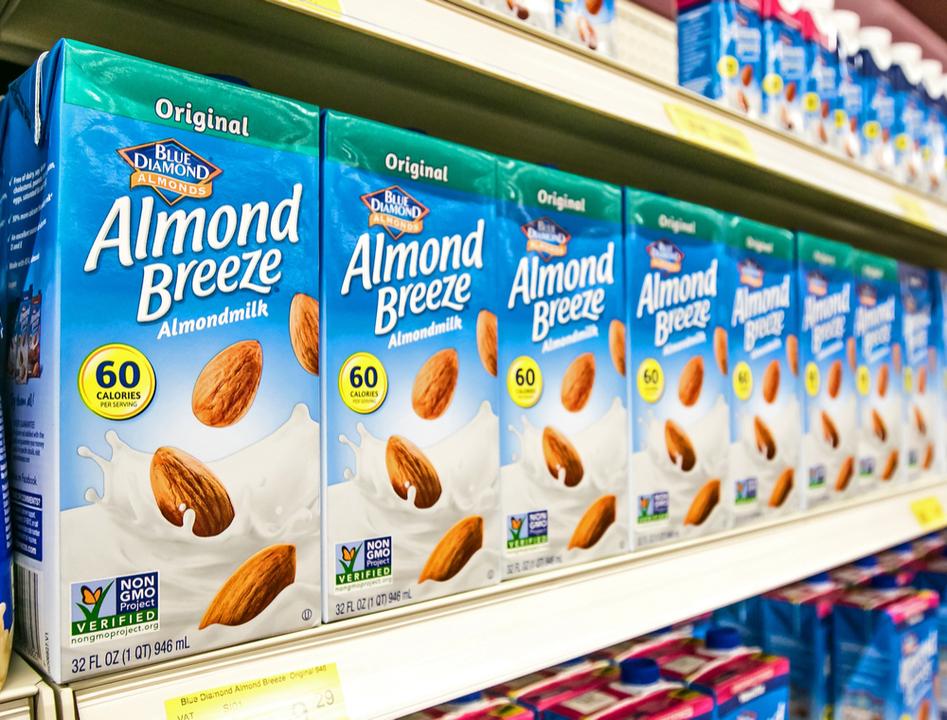 「アーモンドミルクはアーモンドの乳ではありません」米FDA長官が発表、ミルク表記撤廃に意欲